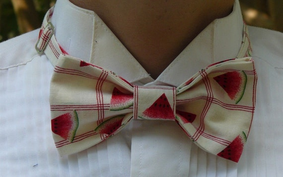 Juicy fashion bow tie