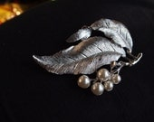 Sarah Coventry, large brushed silver double-leaf brooch. With pearls. Circa 1960s.