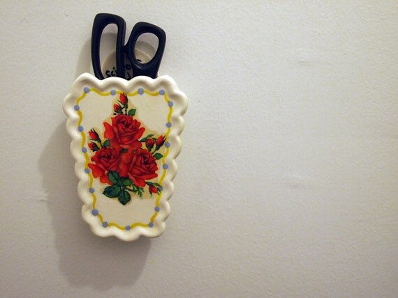 Sweet little scissors holder.  Applied rose detailing. Perfect for the crafter who has EVERYTHING.