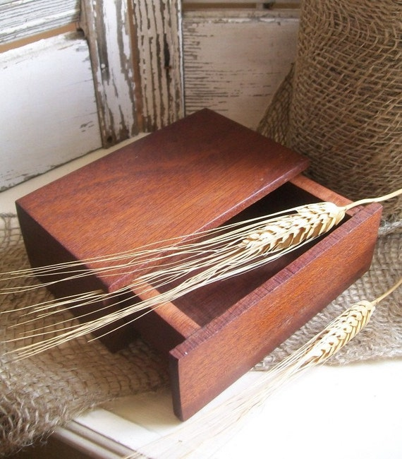 Simple Vintage Wooden Box with Pull Out Drawer