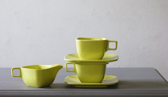 Melamine Cups Saucers Creamer in Chartreuse