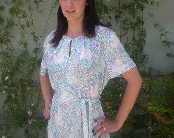 Vintage 60's 70's Dress Baby Blue Keyhole Neck Day Dress Purple Detail CUTE