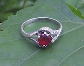 Sterling Silver Red Glass Stone Ring
