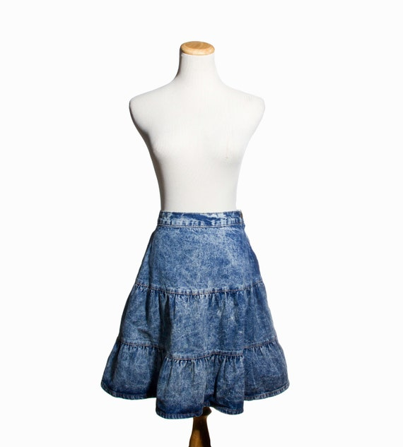 VTG 80's Tiered Acid Wash Jean Skirt with Ruffled  Layers ( Small / Medium ) Blue Knee Skirt Western Style