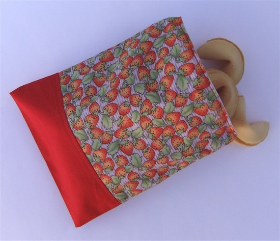 Reusable  Snack Bag Sandwich Cloth - Summer Strawberry Eco Friendly by BonTonsGifts on Etsy