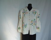White cardigan, knitting, crocheted flowers, 100% cotton, embroidered with beads and baguettes