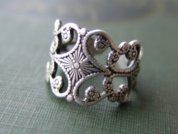 Floral and Filigree Ring - Silver
