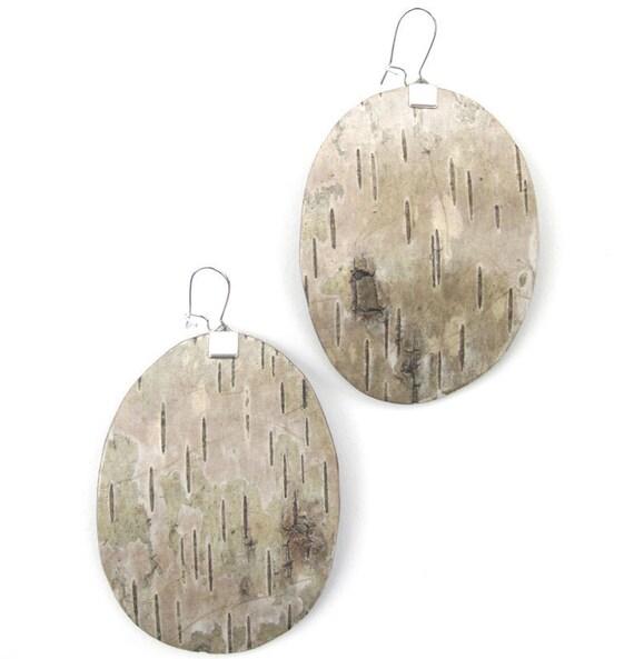 Large oval birch bark earrings, Forage