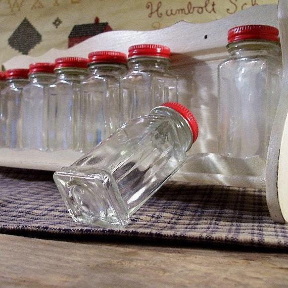 Vintage Spice Rack with Forbes Spice Jars / Metal Lids / Antique White Rack