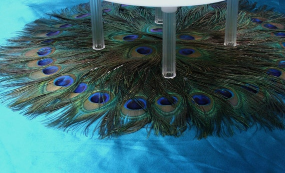 """Peacock Feather Cake Table Mat 28"""""""