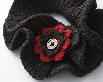 Ruffle Neck Warmer, Black Red Scarf, Hand Knit Ruffled Neckwarmer, Button Scarf, Cowl Scarf,