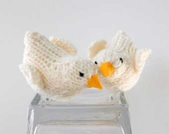 White Love Birds Cake Topper, Love Birds,  Wedding Dove Decor, Hand Knit Bird Toy, Bridal Shower,