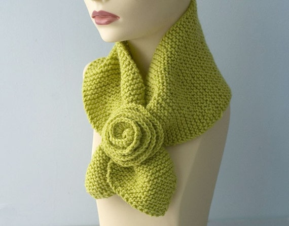 Knit Keyhole Scarf, Flower Neck Warmer,  Yellow Green, Wool Stay in Place Scarf, Self Tying Scarf