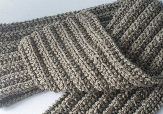 Mens Scarf, Hand Knit in Medium Gray, Grey, Ribbed Warm Winter Accessories,  Mens Fashion, Men Winter Clothing