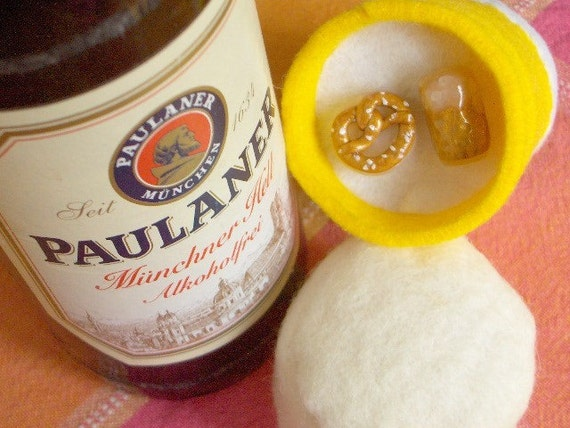 Happy Oktoberfest - Beer and Brez'n Cufflink Set
