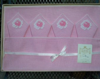 Vintage Pink Roses Floral Linen Placemats Napkins Box Set MWT