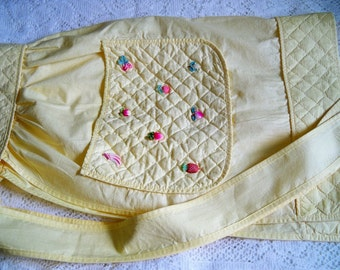 Vintage 1950s Yellow Kitchen Apron Plastic Fruit Quilting