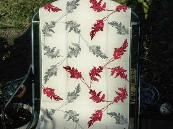 Vintage Wilendur Leaf Tea Towel Table Runner 1