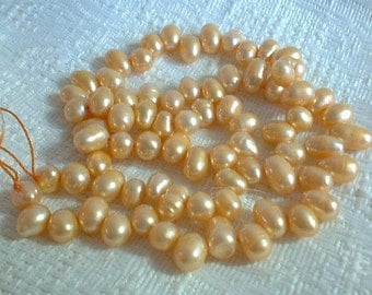 Freshwater Pearls, Drops, Peach, 5-6mm, 1 strand