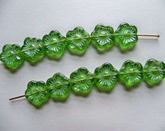 Sale - CZECH Pressed Glass GREEN FLOWER Beads/10mm Flower Beads/Molded Beads/Green Flower Beads/Czech Flower Beads/Pressed Glass Beads