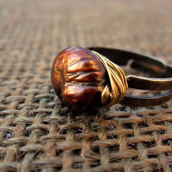 Adjustable Ring with Wired Copper Coin Pearl: Galleon