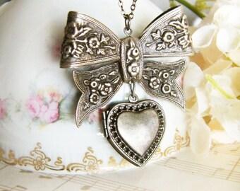 Vintage Silver Ribbon and Heart Locket