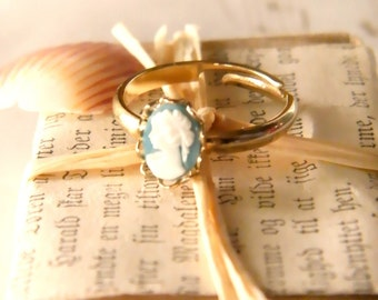 Cameo Bleu Ring.  vintage gold lace adjustable band & teal blue and white cameo