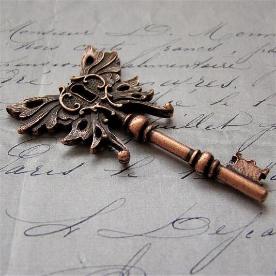 Skeleton key Winged steampunk pendant Antique OLD COPPER