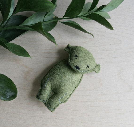 pocket bear // yellin