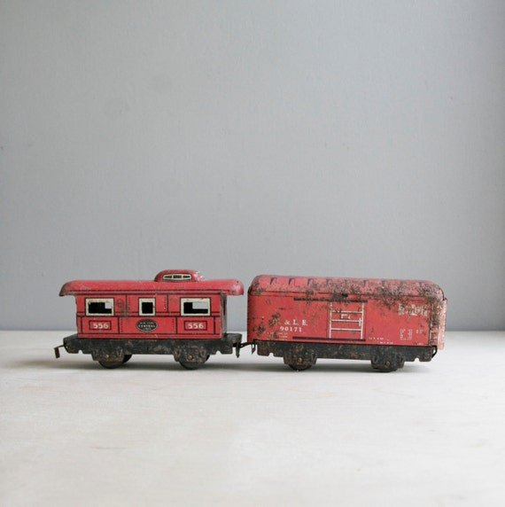 little red tin train / RESERVED