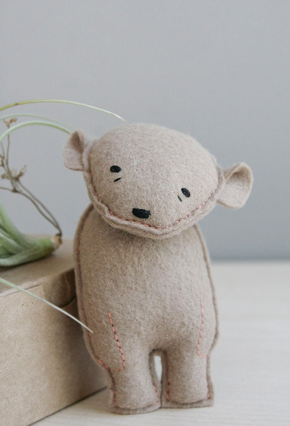 pocket bear / eleanor / brown bear