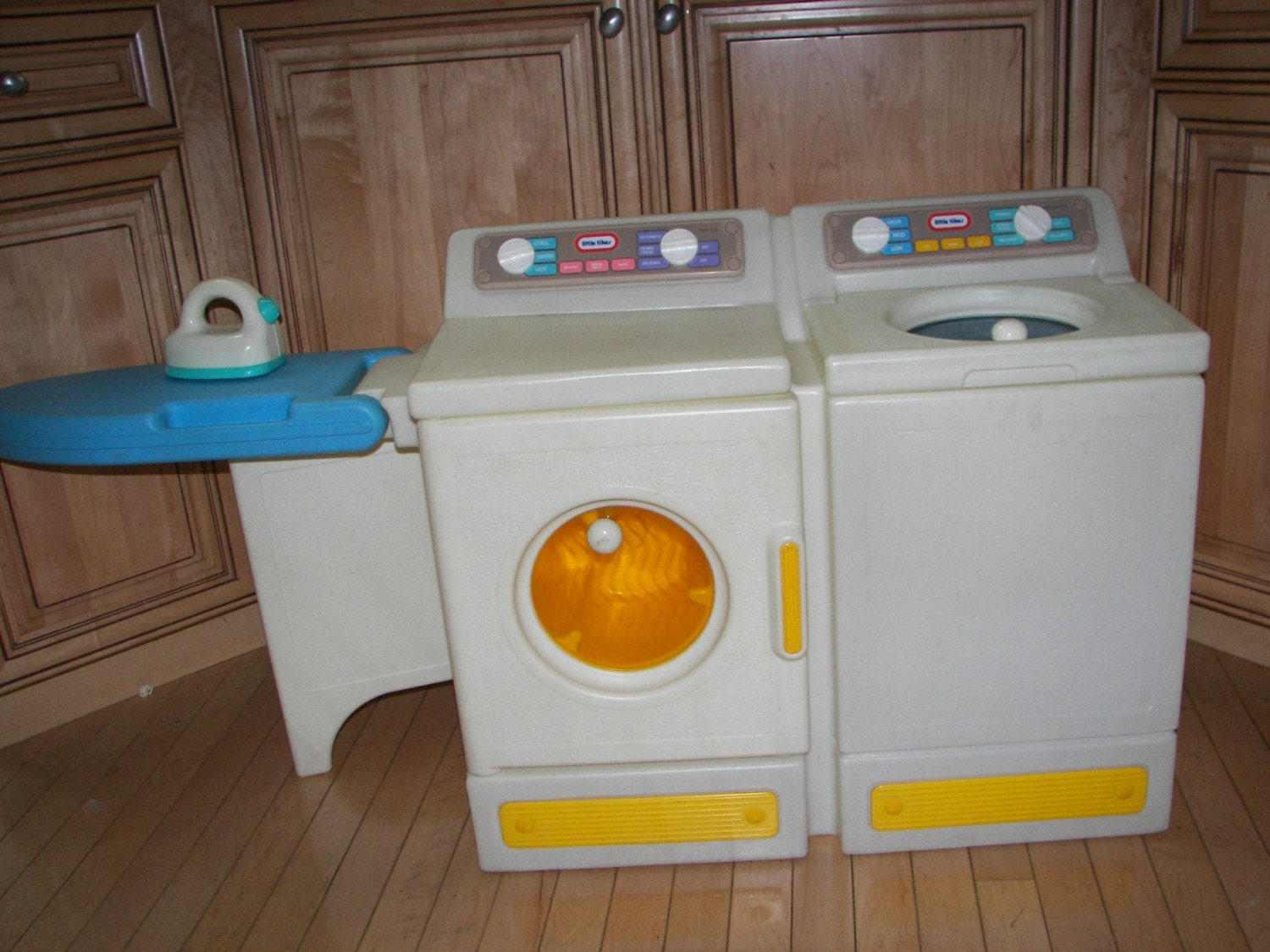 Little Tikes Washer Dryer Laundry Center With Ironing Board