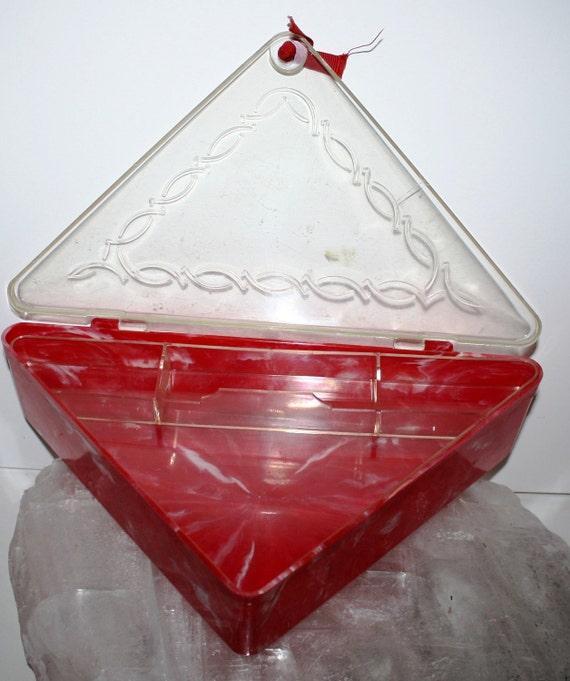 Red MARBLE LUCITE Triangle Plastic Jewelry Box,Hommer Mfg.1950s  mad men era,retro look