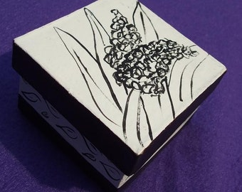Black and White Paper Mache' Hyacinth Box