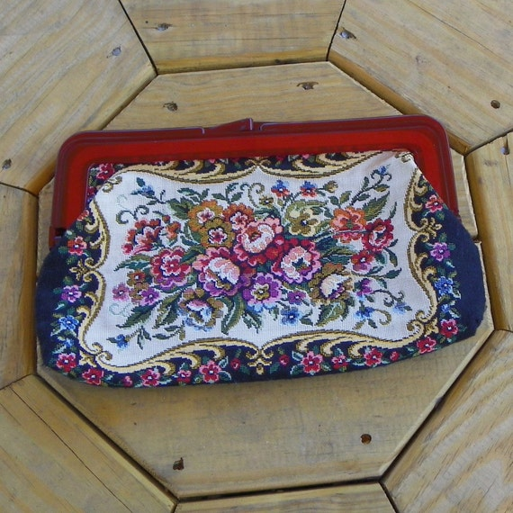 Vintage Woven Linen Clutch Purse with Lucite Frame Tapestry Look TREASURY Item