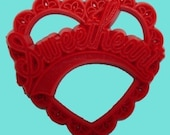 2 Sweetheart 1950s style red heart cabochon pendant for decoration and embellishment