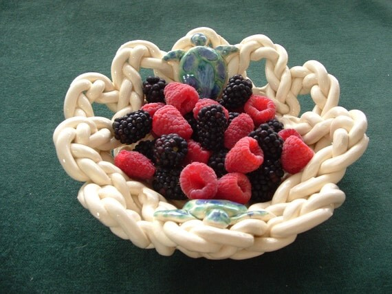 Braided Berry Bowl With Holes with turtles- fruit bowl-bread warmer-bread baker-off white-pottery bowl