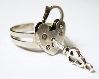 Mini Opening Closing Vintage Padlock Adjustable Ring - Unlock My Heart