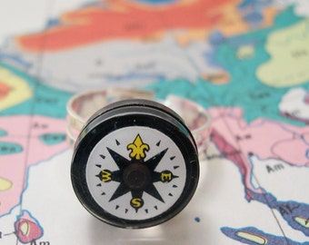 Where Are YOU - Liquid Filled Yellow Fleur Compass Ring