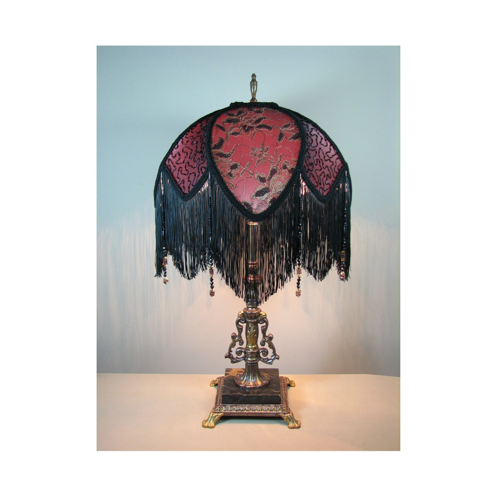 Vintage Lamp Shades: Vintage Table Lamp With Victorian Lamp Shade By