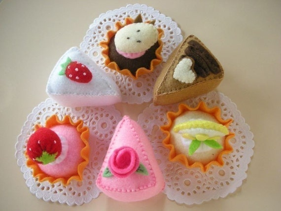 Cakes and Tarts Felt Food Sewing Pattern PDF