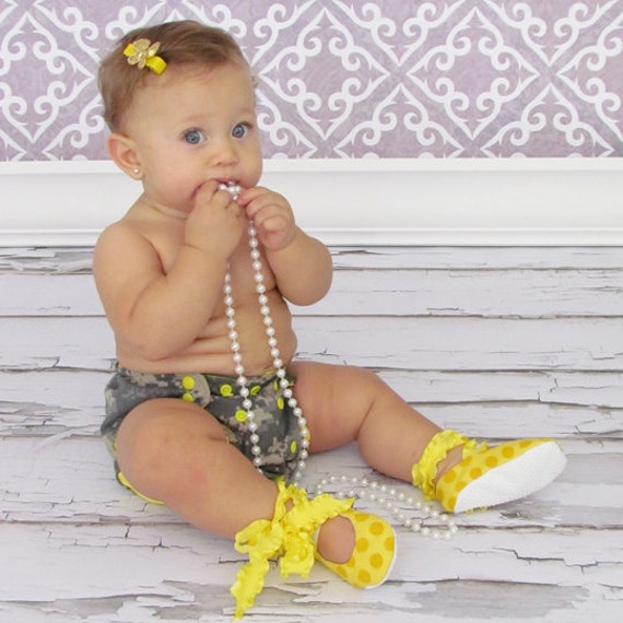50% Off Entire Store - Size 9-12 Months - Ballet Baby Booties WITH Jiffy Grip Bottoms - Lemon Yellow
