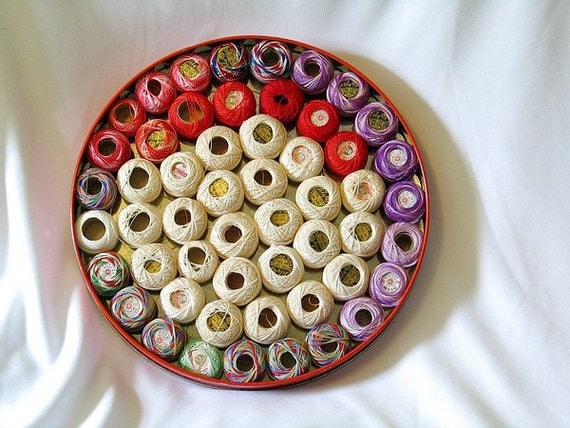 Cotton Tatting Crochet 50 spools in a Christmas Tin Lily