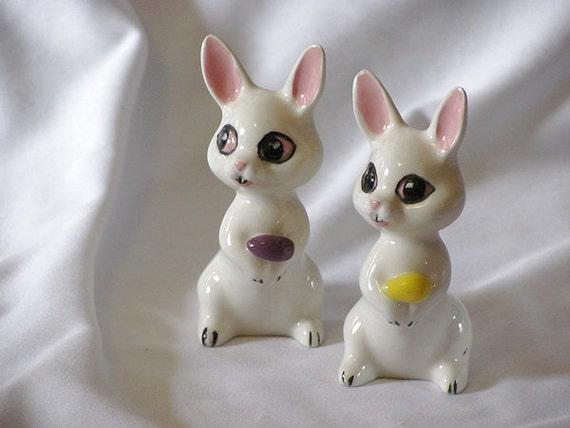 Two bunnies porcelain figurines