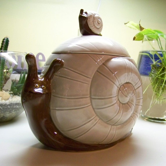 Vintage Snail Cookie Jar