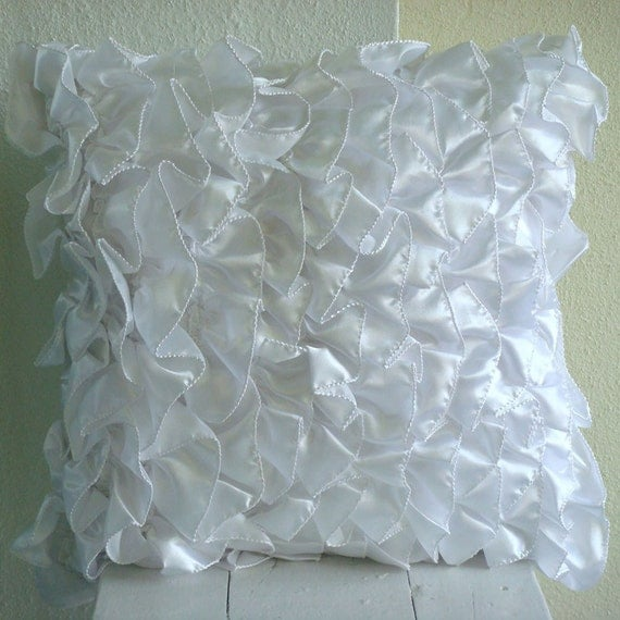 White Shabby Chic Pillow Cases : thehomecentric - Handmade White Pillow Cases, Vintage Style Ruffles Shabby Chic Pillow Cases ...