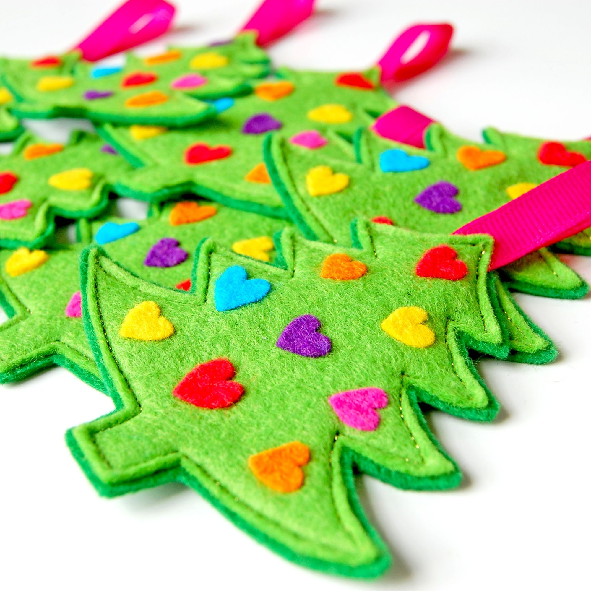 Rainbow Christmas Trees: Rainbow Hearts Christmas Tree A Funky Felt Christmas