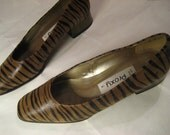 Crazy Leopard Vintage Shows with Gold Heels Size 9