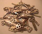 FoR YouR SteaMPunk ArT- 45 Vintage Flat Keys, ALL Triple Hole Top
