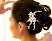 Bridal Pearl Hair Comb, Wedding Hair Accessory with Pearl Vines and Flowers, Hair Vine